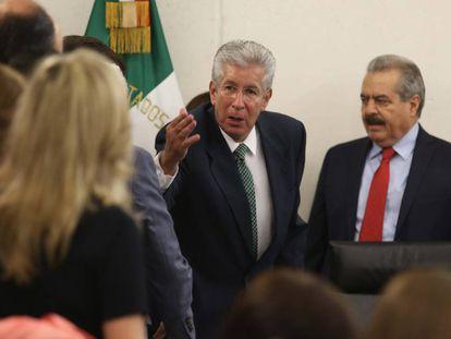 El secretario de Transportes, Ruiz Esparza, en el Congreso.