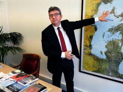 Jean-Luc Mélenchon, en su despacho de la Asamblea Nacional en París, durante la entrevista.