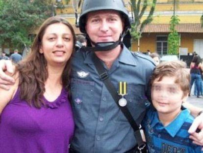 Marcelo Passeghini con sus padres en una foto de Facebook.