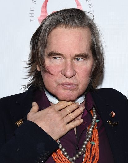 Val Kilmer at an event at Los Ángeles in 2019, already after the intervention #xF3 to overcome his throat cáncer.