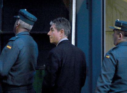 El alcalde de Santa Coloma de Gramenet, Bartomeu Muñoz, al llegar a la Audiencia Nacional.