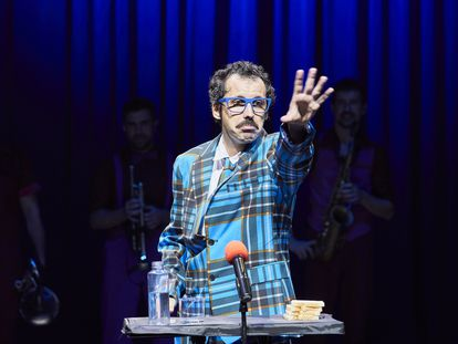 Guillem Albà, dando un discurso político en 'Jaleiu'.