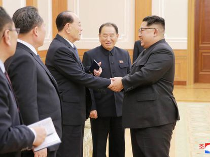 El líder norcoreano, Kim Jong-un, recibe este martes a la delegación del país que acudió a los Juegos Olimpicos de Invierno en Corea del Sur.