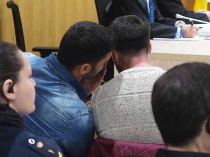 El ministerio público mantiene la reclamación de cuatro años de cárcel por un delito contra la intimidad por la grabación de los hechos y su difusión en dos grupos de WhatsApp