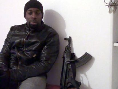 Amedy Coulibaly, en un vídeo difundido en Internet el pasado domingo.