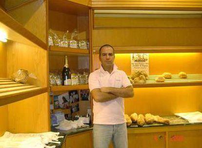 Luca Digesú, en su establecimiento.