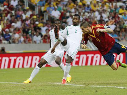 Torres marca el segundo gol del partido.