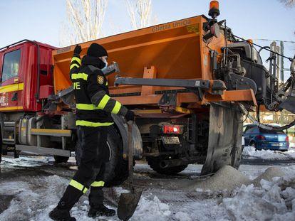 UME: una guerra sin tregua contra el hielo, en imágenes