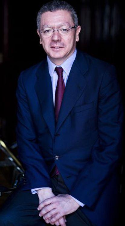 Ruiz-Gallardón, en la sede del Ministerio de Justicia, después de la entrevista.