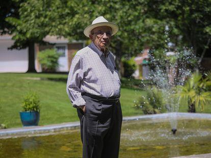 El virólogo Rafael Nájera, fotografiado este martes en el municipio madrileño de Pozuelo de Alarcón.
