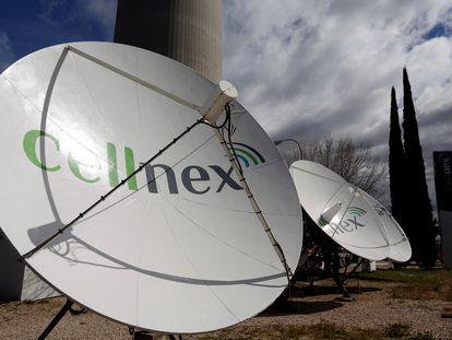 Antenas de Cellnex en la torre del 'Pirulí', en Madrid.