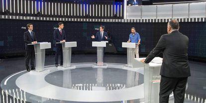 Pablo Casado (PP), Pedro Sánchez (PSOE), Albert Rivera (Cs) y Pablo Iglesias (Unidas Podemos), en el debate de RTVE, moderado por Xabier Fortes.
