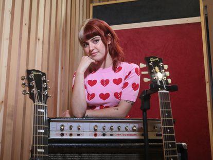 La cantante Alba Reche, en los estudios Metropol tras la entrevista, a mediados de este mes de julio.