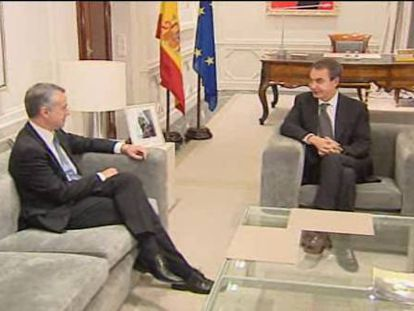 Urkullu pide a Zapatero medidas para los presos de ETA enfermos antes del 20-N
