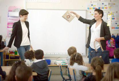 Amélie Mariage (izquierda) y Miriam Reyes, en una Escuela Visual.