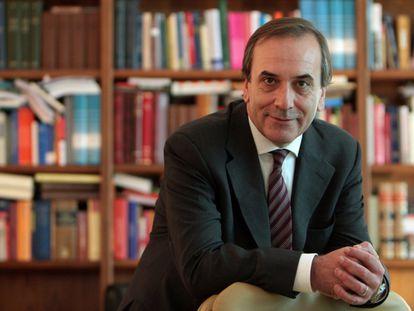 El socialista José Antonio Alonso en su despacho del Congreso, en 2008.