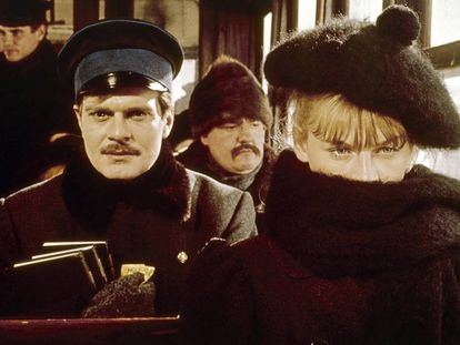 Julie Christie y Omar Sharif, en un fotograma de la película 'Doctor Zhivago', de David Lean.