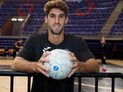 El jugador de balonmano Antonio Serradilla, este miércoles en el pabellón de los Deportes de Logroño.