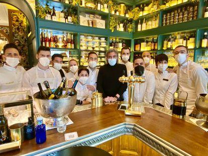 Equipo del Bar Manero, con Carlos Bosch. J. C. CAPEL