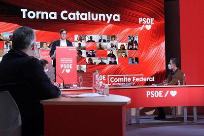 Salvador Illa, este sábado, durante su intervención en el comité federal del PSOE en presencia de Pedro Sánchez.