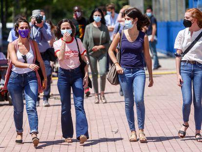 De izquierda a derecha, Noelia Vera, Ione Belarra (candidata), Isa Serra y Lilith Verstrynge, este sábado en Alcorcón (Madrid).