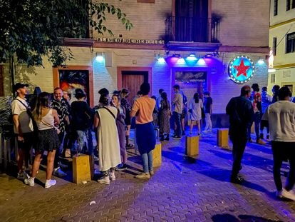 Cola en una discoteca de la Alameda de Hercules, en Sevilla.