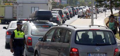 Colas de vehículos en los accesos a Gibraltar.