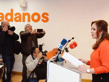 La expresidenta de las Cortes de Castilla y León, que ha abandonado el PP, Sílvia Clemente, este lunes. En vídeo, declaraciones de José Manuel Villegas, secretario general de Ciudadanos.