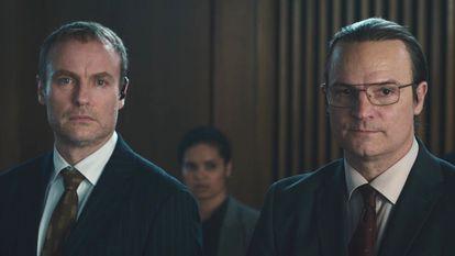 Los dos personajes principales de 'El código que valía millones'.