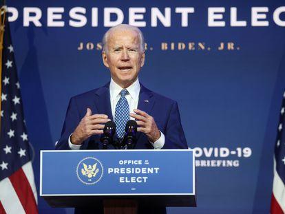 Joe Biden se dirige a los medios este lunes desde Delaware, tras la primera reunión con su grupo de expertos sobre la covid-19.