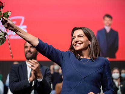 La candidata a las elecciones presidenciales de Francia por el Partido Socialista, Anne Hidalgo, durante el congreso de investidura, este sábado en Lille.