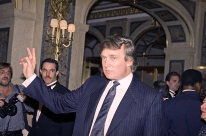 Donald Trump en 1991, cuando supuestamente se hizo pasar por su portavoz