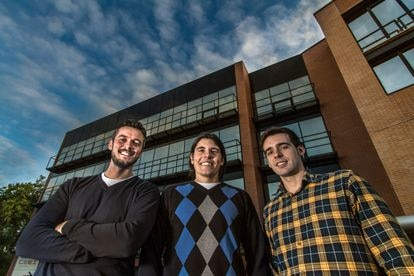 Desde la izquierda, Carlos González, Pablo Soto y Pedro Javier Sáez, fundadores de Neosentec.