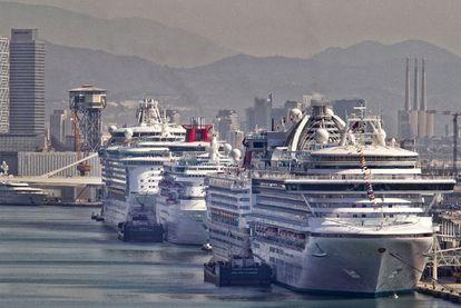 Cruceros en el Puerto de Barcelona, en 2019, dos meses antes de estallar la epidemia de la covid-19.