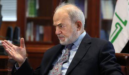 El ministro de Exteriores de Irak, Ibrahim al Jafaari, en la embajada iraquí en Madrid este jueves.