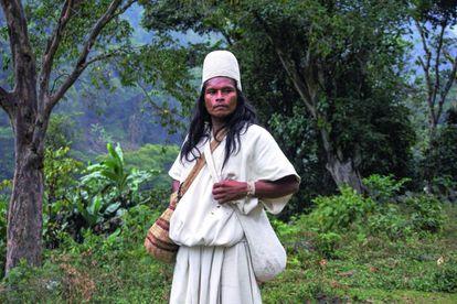 Mamo Eusebio, en Serankwa, en las montañas de la Sierra Nevada de Santa Marta (Colombia).