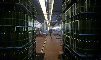 Almacén de botellas de vino de una bodega de Castilla-La Mancha.