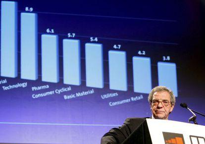 El presidente de Telefónica, César Alierta, durante una conferencia.