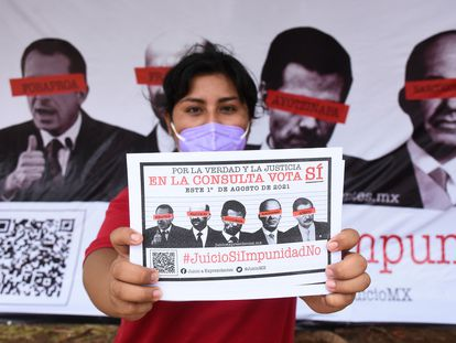 Imágenes de la campaña informativa de Morena para invitar a la ciudadanía a participar en la consulta popular.