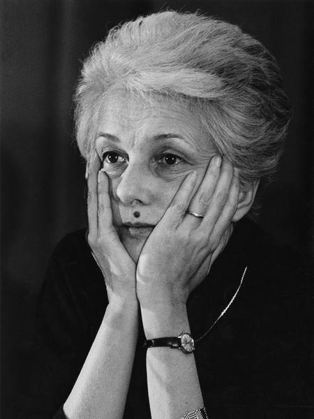 La periodista y política italiana Rossana Rossanda en una fotografía de archivo de febrero de 1982, en Milán (Italia).