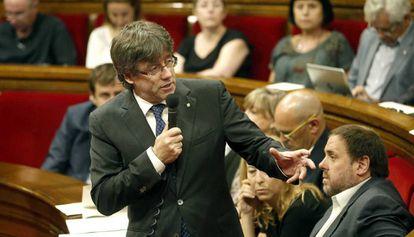 El 'president' Carles Puigdemont, durante la sesión de control al 'Govern'.