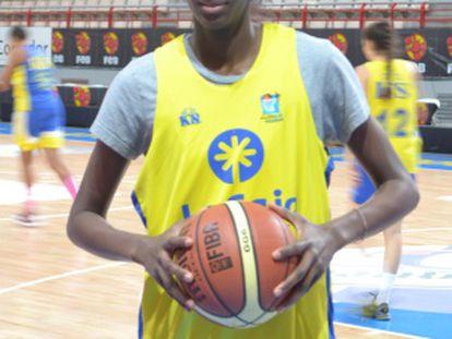 Astou Ndour durante el entrenamiento previo a la semifinal.