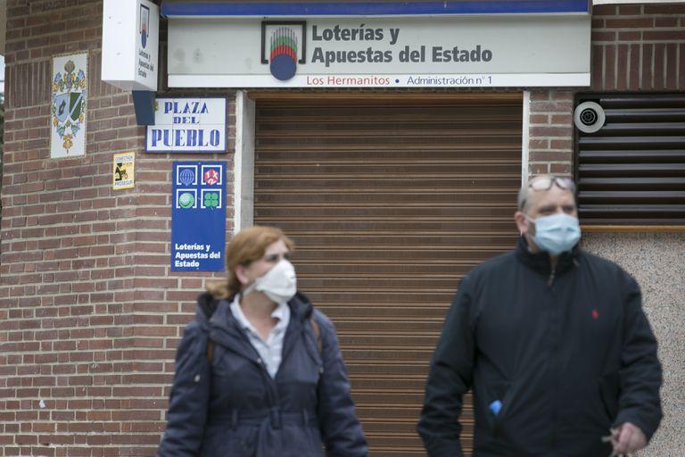 Establecimiento de lotería cerrado en Manzanares el Real, Madrid.