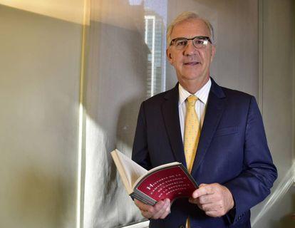 Guillermo Ambrogi, en su despacho de la Cámara Española de Comercio de Argentina, en Buenos Aires.
