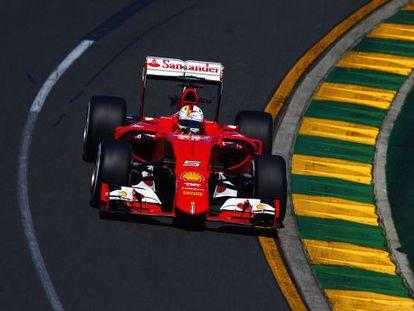 El Ferrari de Vettel, en los entrenamientos de Melbourne.