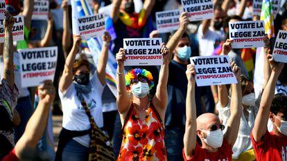 Una protesta celebrada el pasado mayo a favor del proyecto de ley Zan.