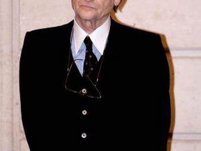 Jean Louis Scherrer, modisto francés, durante la recepción de la Legión de Honor en 2009.