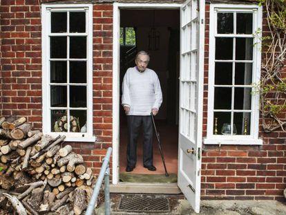 George Steiner, en su casa en Cambridge.
