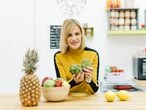 Griselda Herrero, dietista-nutricionista, nos ofrece en 'Comer bien en familia'; un libro muy práctico para aprender a comer de forma saludable en casa.