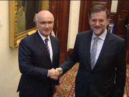 Rajoy busca la alianza de CiU para compartir costes políticos